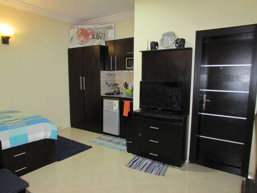 Spacious And Comfortable Studio In Lekki Phase 1 For Short-let 0