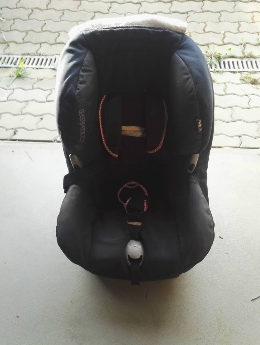 Auto sedačka maxi cosi 9-18 kg 0