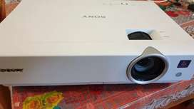 Sony Projector VPL-DX122