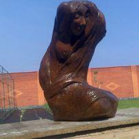 Статуя -девушка