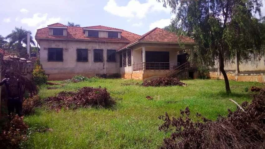 Property on sale, Upper kololo opposite Egyptian defence price is 0