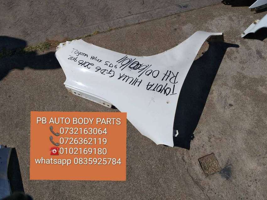 toyota hilux  GD6right side fender 0