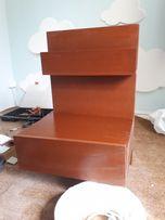 Dwie szafki nocne mocowane do łóżka lub innych szafek