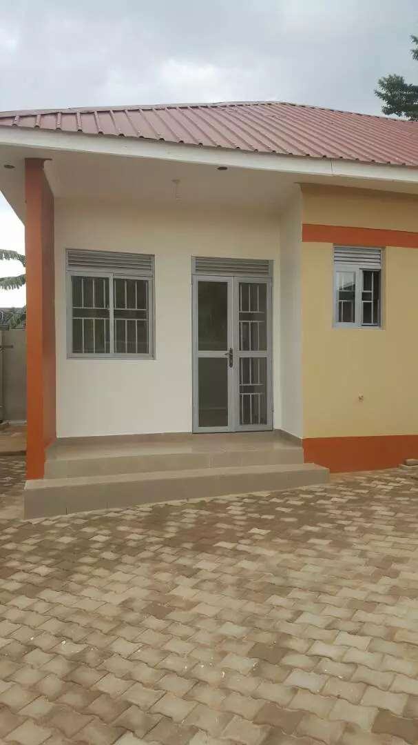 Super brand new double room for rent in kireka 0