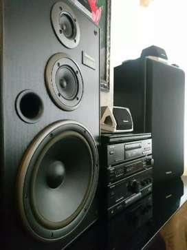 COMPLETE TECHNICS HIFI UP FOR GRABS LIKE NEW