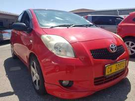 TOYOTA YARIS 1.3I WITH AIR CONDITIONING