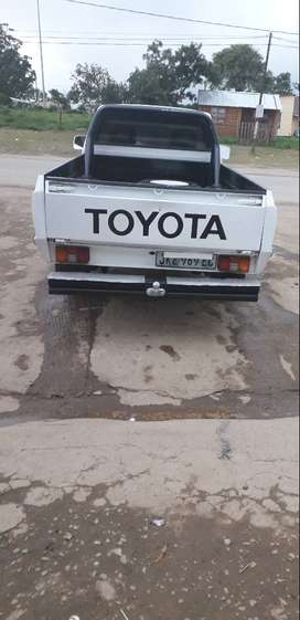 Am selling this bakkie it is running every day