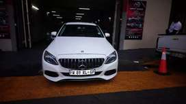 Mercedes c180 at very low price good condition