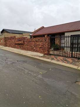 Rooms available in Pimville