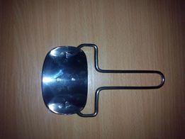 Ролик для вырезания кружков из теста, тесторезка для вареников