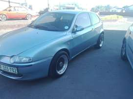 Selling and alfa Romeo with price negotiable