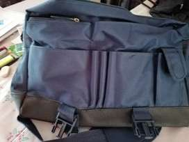 Student or office bag with stationary compartment, great for meetings