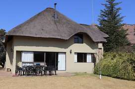 MAY SPECIAL R490.00 - SELF CATERING HOUSE IN UNDERBERG