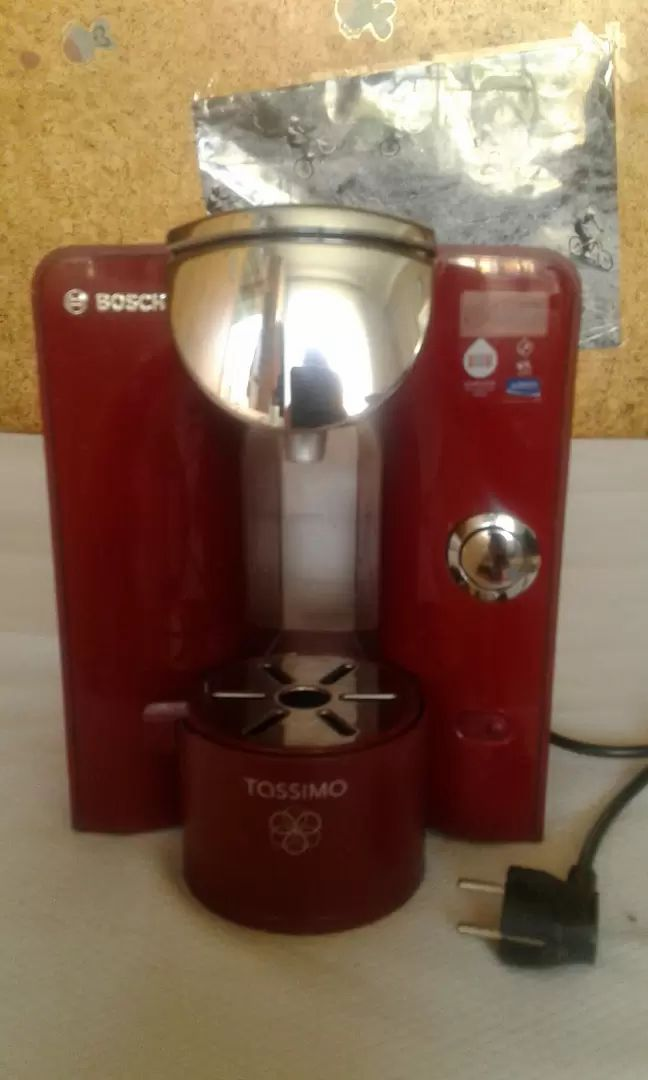 Prodám kávovar na kapsle zn.Bosch 0