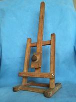 Małe sztalugi drewniane do ekspozycji zdjęcia lub innej ozdoby