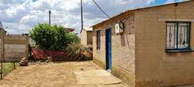 2 bedroom house in Mayfield daveyton