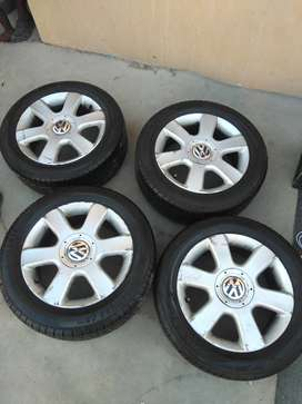Wheels on sale...for Golf 5.Couple months old Falken tyres on alloys