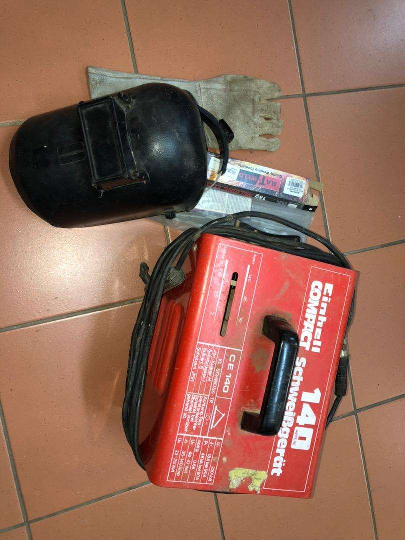 Welding machine, gloves and mask 0