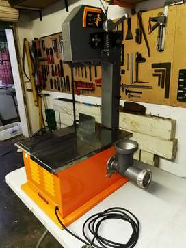 Meat o matic meat saw with mincer attachment