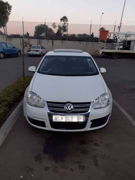 Jetta 5 available for sale bargain