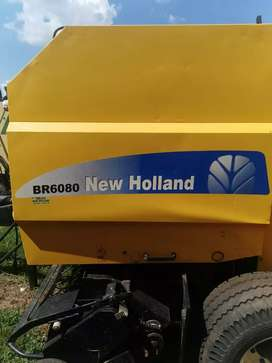 2 x New Holland BR6080 tou balers