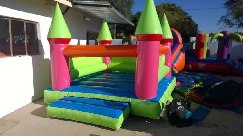 Jumping castle for hire-phoenix and surrounding 0