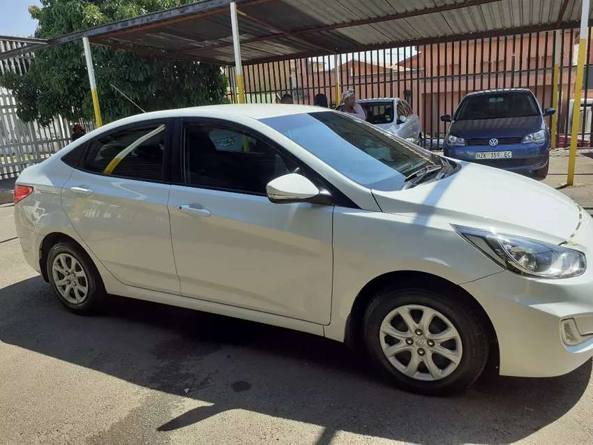 2015 Hyundai Accent automatic  1.6 0
