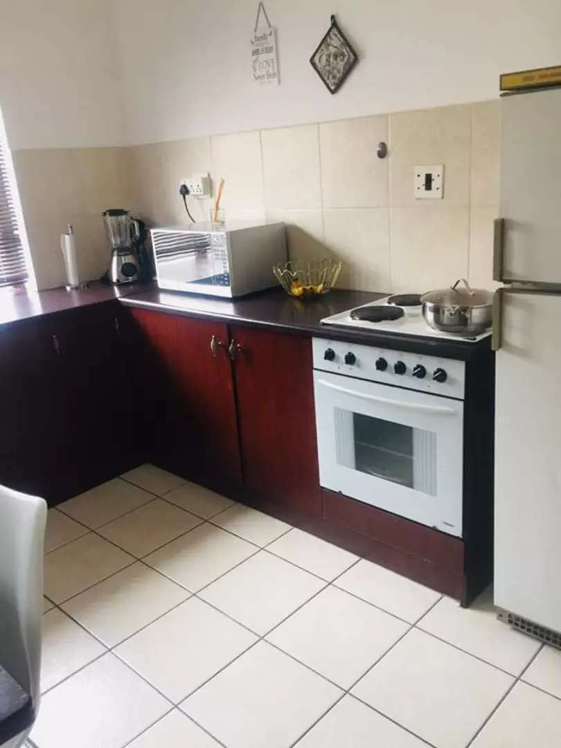 One bed luxery furnished unit newton park 0