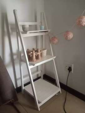 White wooden tiered stand / table
