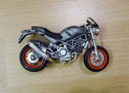Мотоцикл модель Ducati MONSTER S4 (Maisto 1:18 Model Bike) оригинал