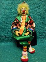 Продам игрушку клоун высокий.