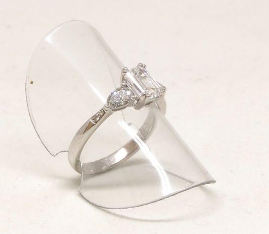 Białe złoto 0,750. Pierścionek z brylantami 1,50 carat. Zaręczynowy. Szczecin - image 6