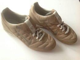 Buty skórzane firmy Nike. Camel Rozmiar 42 (41,5), wąskie i solidne.