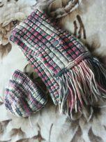Фирменный набор.Шапка и шарф.Новый.Недорого!