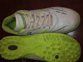 Kookaburra Pro500 cricket shoes