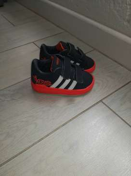 Adidas takkies for toddlers for sale