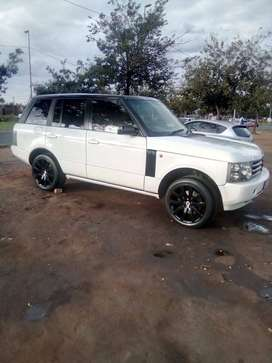 A 2003 Range rover for urgent sale