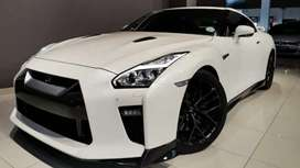 Looking for a GT-R any color 2016 new look