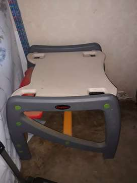 I'm selling chair and table