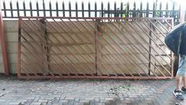 FOR SALE        4.2 meter driveway gate, in excellent condition