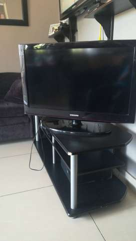 Samsung 32 inch flat screen tv
