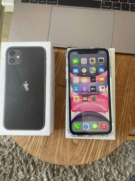 iPhone 11 (64GB) Great condition + box  & accessories.