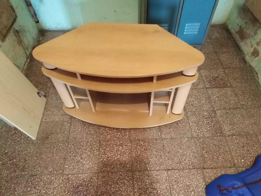 TV stolek 0