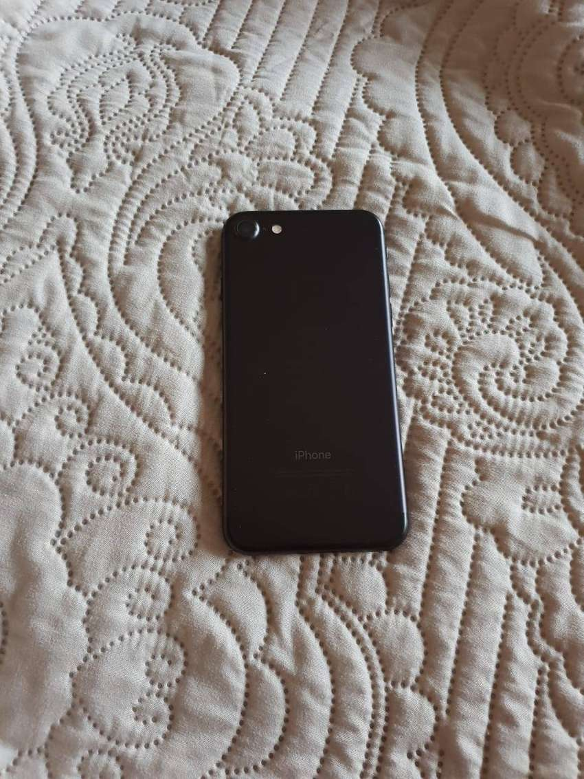 IPHONE 7 - 128GB / EXCELLENT CONDITION! 0