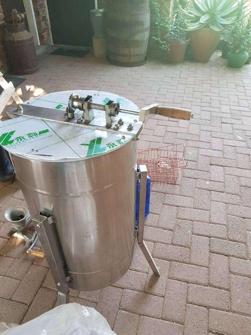 Honey Extractor for sale 0