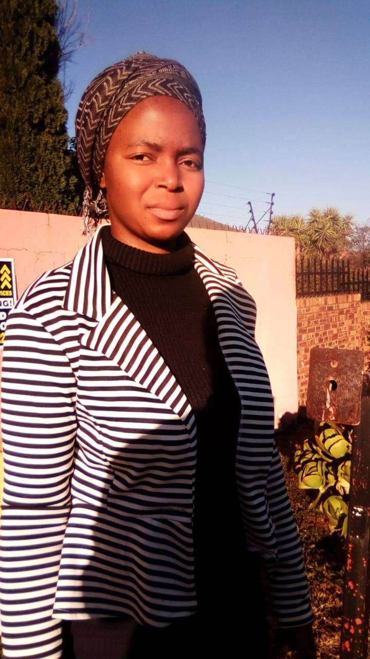 Hard working,experienced maid,nanny from Zim needs stay in or out work 0