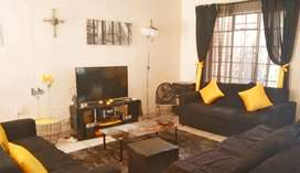 Spacious duplex in small secure garden complex to rent