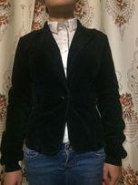 Женский чёрный пиджак Sisley