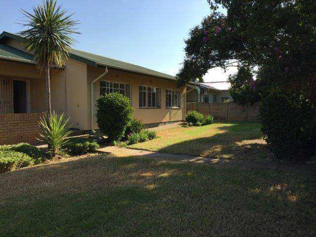 Three bedroom house to rent in SW 1 Vanderbijlpark close to Vaal Mall6 0