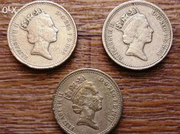 Продам три однофунтовые монеты(Pound)